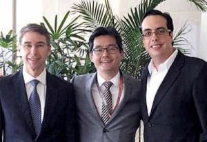 Drs. Élvio Bueno Garcia, Luis Henrique Ishida e Maurício Lorena
