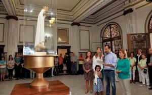 Imagem peregrina de Nossa Senhora de Fátima no Paço de Santos
